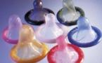 Ouganda: les autorités retirent du marché près d'un million de préservatifs fabriqués en Inde