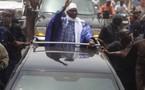 Wade appelle Macky Sall pour le féliciter, selon la Radio nationale.