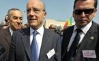 Sénégal - Alain Juppé salue la sobriété de la cérémonie de prestation de serment VIDEO