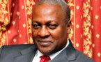 Le Ghana rend hommage à son président défunt, John Dramani Mahama lui succède