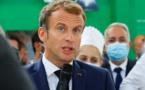 Un œuf lancé sur Emmanuel Macron lors de son déplacement à Lyon
