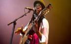 Concert Magique- regarder comment Faada Freedy enflamme le Zenith