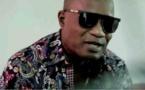 Vidéo-Koffi Olomidé arrêté à Nairobi pour avoir donné un coup de pied à sa danseuse
