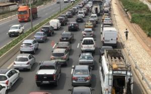 Chaos sur l'Autoroute: deux accidents provoqués par deux cars «Ndiaga Ndiaye» bouchent la circulation