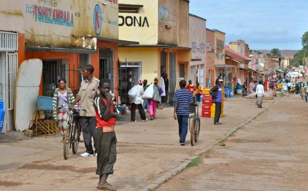 RDC: le ministre de l'Intérieur à Kolwezi après l'incident des effigies brûlées