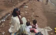 La mendicité à Abidjan, un phénomène culturel pour des mères de jumeaux