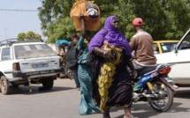 Gambie : les habitants fuient
