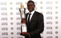 N'Golo Kanté élu joueur de l'année par ses pairs après la première saison brillante à Chelsea