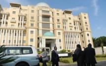 Gabon: la classe politique réagit au nouveau report des législatives