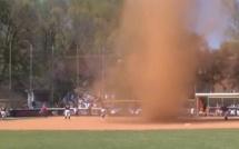 Vidéo - Quand une tornade interrompt un match de foot...quelque part en Afrique