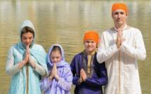 Le Premier ministre canadien Justin Trudeau moqué pour sa diplomatie de la mode en Inde