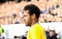 Annoncé malade et incertain contre l'OM hier, Neymar s'est entraîné ce samedi avec le Psg
