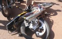 URGENT - Un conducteur de moto jakarta écrasé par un camion à Kaolack