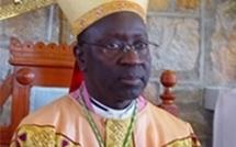 MSG Adrien Sarr encourage et invite les pèlerins au courage, à l'abnégation (...)
