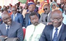 Regardez l'arrivée de Idrissa Seck au défilé du 4 avril...aux côtés de Talla Sylla