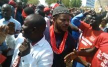 """Diourbel : Kilifeu et Thiaat de """"Y'en a Marre"""" à la marche nationale des enseignants"""