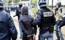 Un Sénégalais de 53 ans poignardé dans un bus à Paris : l'agresseur présumé arrêté