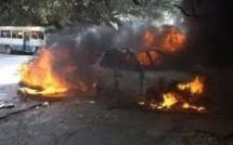 Mbour : une voiture prend feu, tue une personne et fait quatre blessés