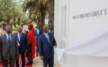 Conseil des ministres : Macky inaugure la salle dédiée au défunt Bruno Diatta