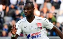 Vidéo: Moussa Konaté a commencé les entraînements