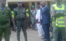 Vidéo - Situation confuse au Conseil constitutionnel: les mandataires enfin autorisés à entrer, les forces de sécurité évacuent la devanture