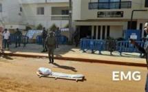 Des jeunes activistes ont procédé aux « funérailles » du Conseil constitutionnel