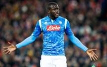 """Racisme: L'appel de Koulibaly  rejeté, Naples dénonce """"une grave défaite pour le football"""