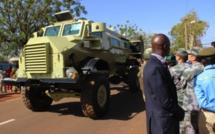 Prise d'armes à Kati : De nouveaux engins blindés pour l'armée