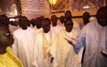 Vidéo - Idy est arrivé à Touba avec Gackou, Pape Diop, Thierno Bocoum...pour recueillir les prières du Khalife général