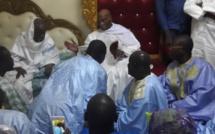 Vidéo : Abdoulaye Wade reçu nuitamment par le Khalife de Darou Moukhty