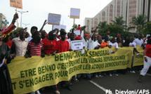 Les jeunes de l'opposition manifestent spontanément à Sandaga contre le projet de Wade