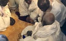Vidéo - Les larmes de Madické Niang à son audience avec le Khalife des mourides