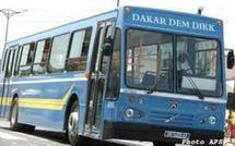 Non paiement des aides: Les étudiants menacent de brûler les deux bus séquestrés depuis hier