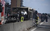 Un chauffeur d'origine sénégalaise met le feu dans un bus transportant 51 personnes à Milan