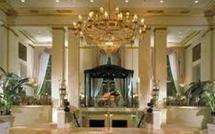 Pour charmer la communauté internationale sur la validité de sa candidature, Wade s'offre le luxueux hôtel du Waldorf Astoria pour plus de 150.000 dollars