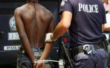 France : Deux sans-papiers  sénégalais arrêtés, menottés et menacés de rapatriement