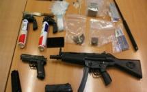 Cache d'armes à Mbeubeuss : 2 récupérateurs arrêtés, un revolver, une arme à poing, et 3 cartouches de calibre 32 découverts