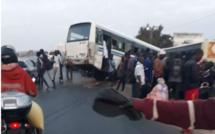 Course entre deux minibus TATA: le chauffeur de la ligne 56 se réfugie à la gendarmerie de Keur Massar