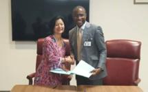 Le ministère de l'Economie et MasterCard Fondation signent un contrat d'assistance technique d'une durée de 5 ans