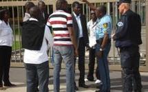 La diaspora à l'assaut du Consulat du Sénégal à Bordeaux pour descendre Wade