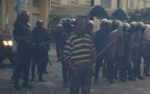 VIDEOS-Dernière minute : Sandaga, les jeunes acculent les policiers