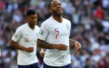 Joe Gomez sifflé à Wembley, Sterling prend sa défense