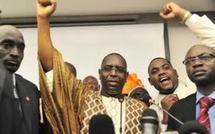 Les manifestations de joie remplissent les places fortes de Dakar