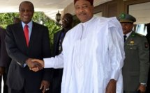 Mali: les présidents de Guinée et Niger appellent à une intervention militaire