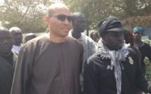 Scrutin Législatives 2012 : Karim Wade a voté au Point E
