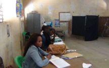 DIAPO & VIDEO - Scrutin Législatives 2012: comment les sénégalais se font désirer dans les centres de vote