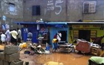 La visite nocturne de Macky Sall dans les zones inondées fait couler les larmes des populations