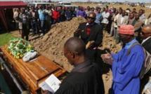 Afrique du Sud : une vingtaine de mineurs de Marikana ont été enterrés