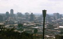 Economie: le Zimbabwe demande l'aide financière des pays voisins