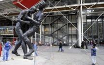 Le «coup de tête» de Zidane devant le Centre Pompidou